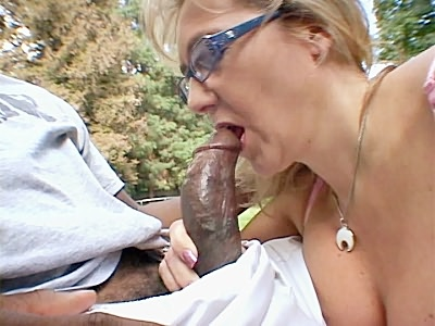 Mature blondie Interracial Blowjob